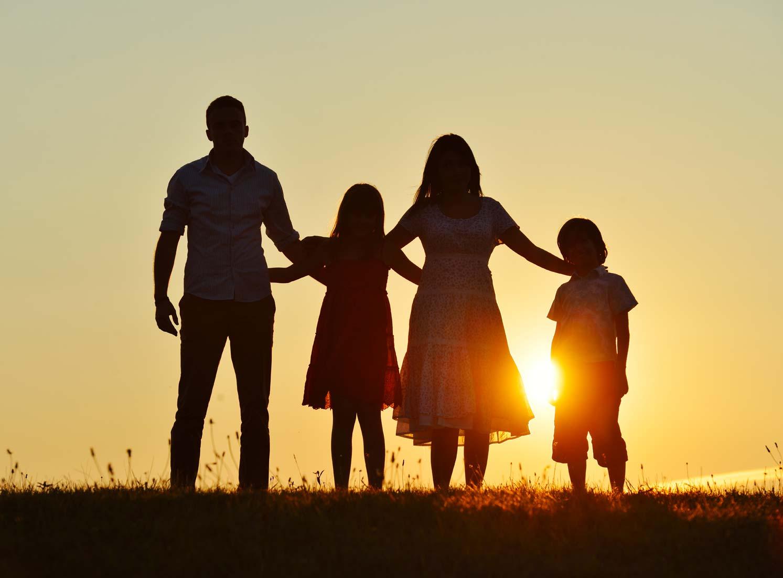 familieopstelling zonsondergang